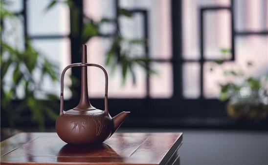Yixing purple clay teapots show craftsmanship