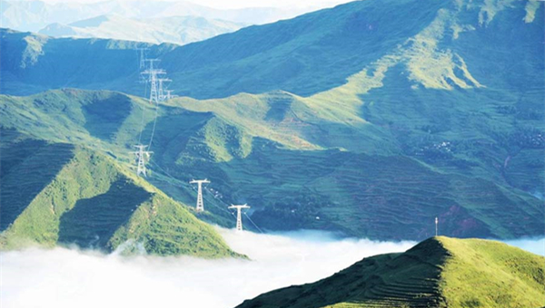 NW China's Qinghai strives to boost development of clean energy industry