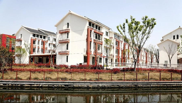 China endeavors to create more comfortable living environment for people by expediting urban renewal