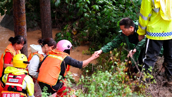 Xi stresses prioritizing people's safety, property in flood prevention, control