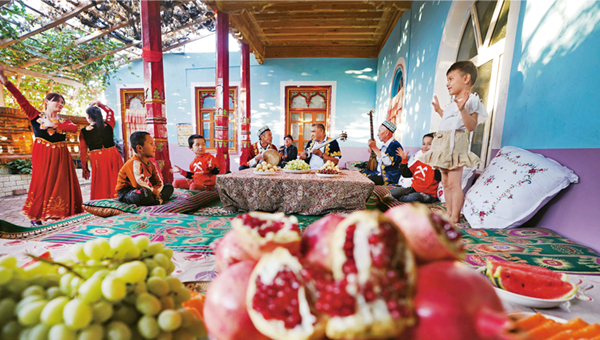China issues white paper on Xinjiang's demographic development