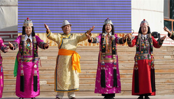 Tourism helps promote intangible cultural heritage in Xinjiang