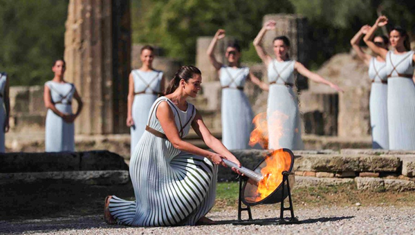 Beijing 2022 Olympic flame begins its journey from Greece to China