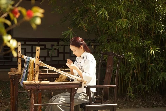inheritors of suzhou embroidery honored as national masters1.jpg.jpg