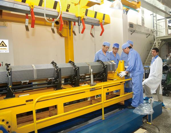 20130923-公司TVS-2M燃料组件.jpg