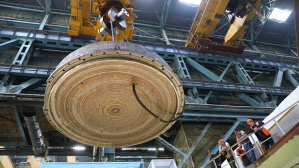 MBIR-reactor-lid-August-2019-(Rosatom).jpg