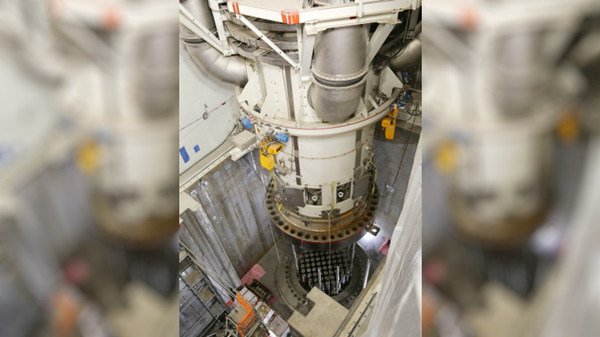 Vogtle-3-integrated-head-package-installation-composite_副本.jpg