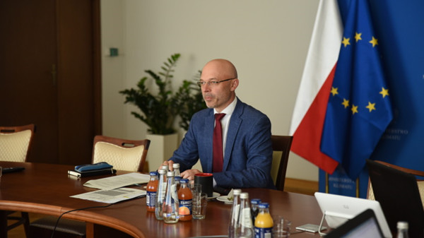 Poland-s-Minister-of-Climate,-Michal-Kurtyka-(Polish-Government)_副本.jpg