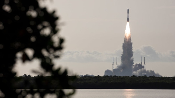 Perseverance-launch-30-July-2020-2(NASA)_副本.jpg