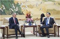 Wang Yang meets French guest