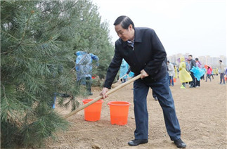 Vice-chairpersons of 13th CPPCC National Committee attend voluntary tree-planting