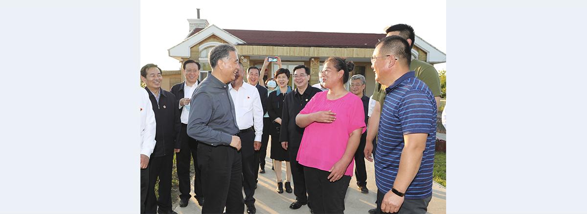 Wang Yang stresses importance of border area development, prosperity