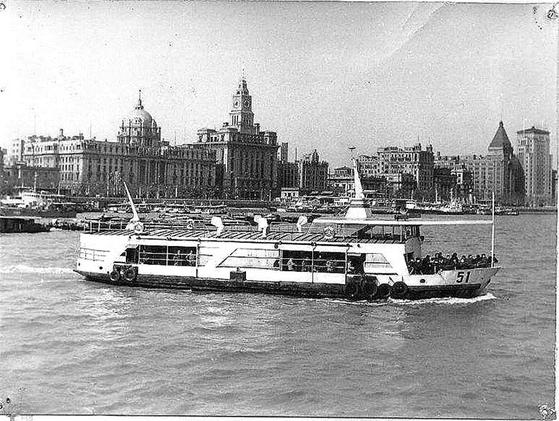 A file photo of a ferry boat on Huangpu River. [Photo provided to China Daily]_副本.jpg