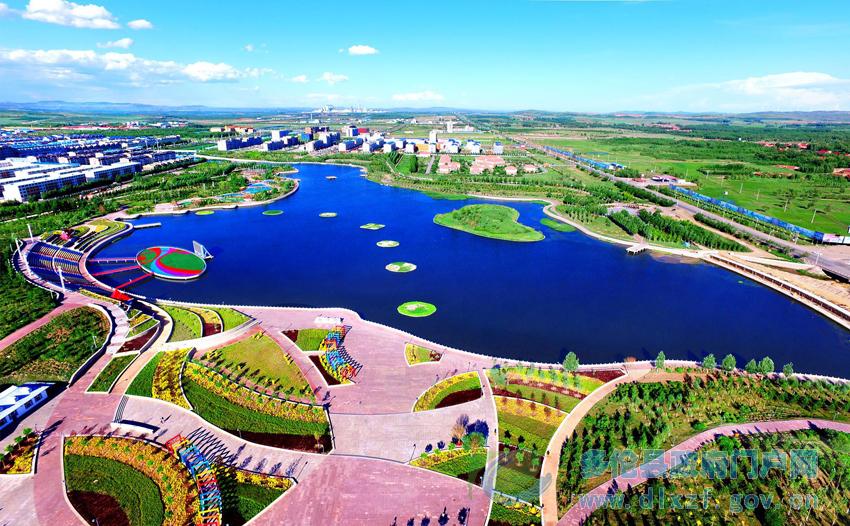 龙泽湖公园.jpg