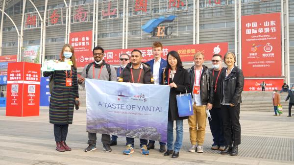 Expats embark on tour of Yantai