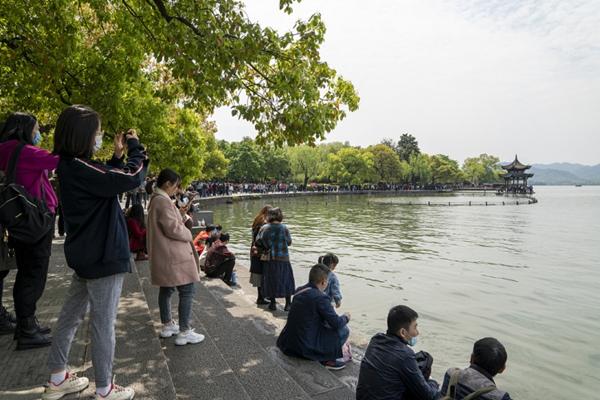 Qingming tourism.jpg
