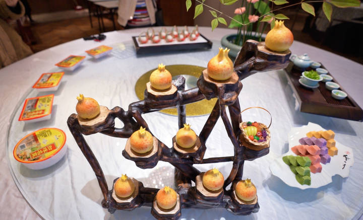 cakes in Hangzhou.png