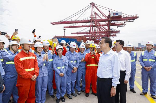 Premier Li Keqiang in Zhejiang.jpg