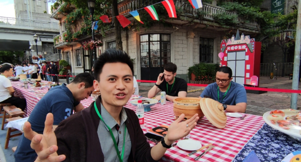 expats in Ningbo.jpg