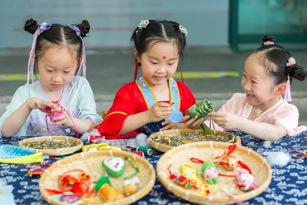 children in Zhejiang.jpg