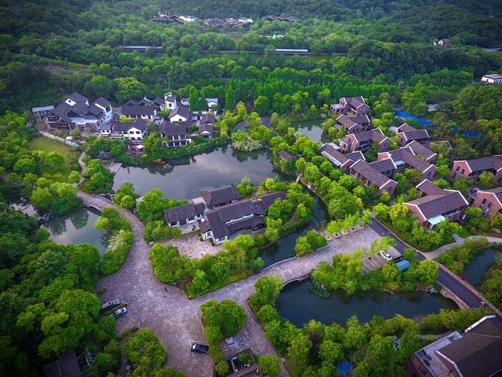 town in Hangzhou.jpeg