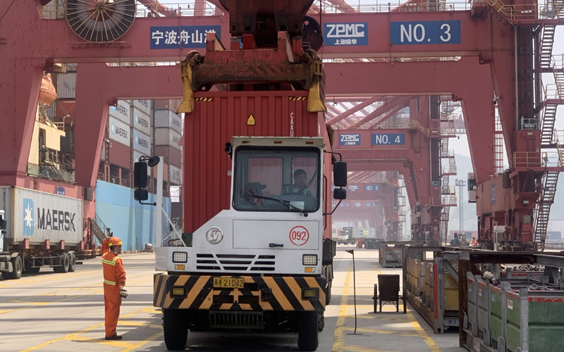 Chinese ports play key role in global recovery
