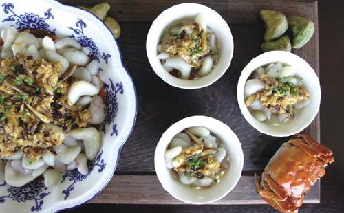 Stir-fried water chestnut with crabmeat