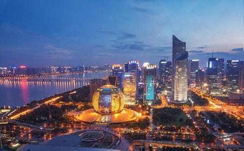 Shopping malls in Hangzhou