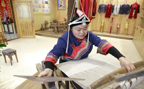 Jingning ribbon weaving skills go on national heritage list