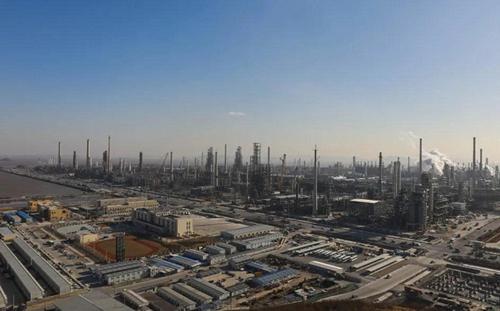 Green petrochemical base in Zhoushan generates 74.8b yuan in 2020