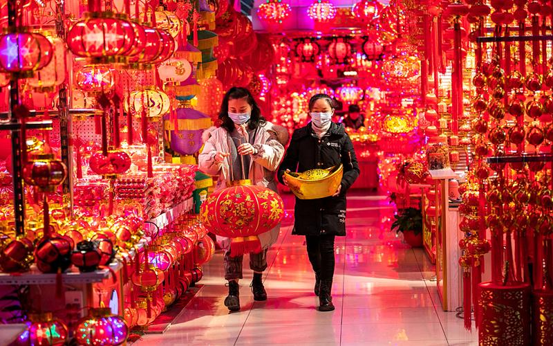 Yiwu market replete with festive decorations