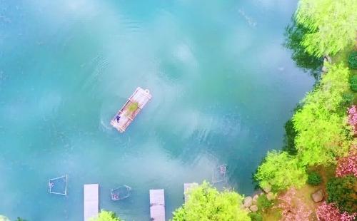 'Beautiful Zhejiang' episode 18: A Campus, A Lake