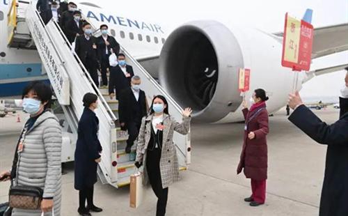 Zhejiang lawmakers, political advisors arrive in Beijing