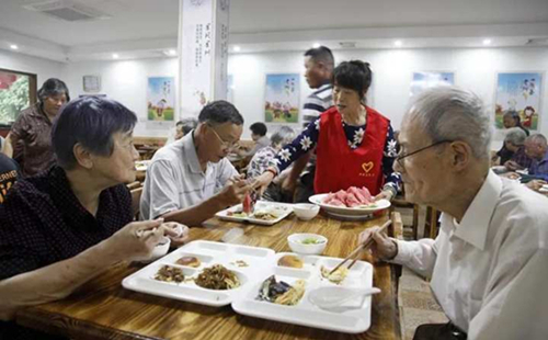 Life expectancy in Zhejiang on par with advanced nations