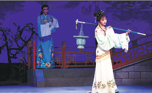 Classic Yueju Operas held in Hangzhou
