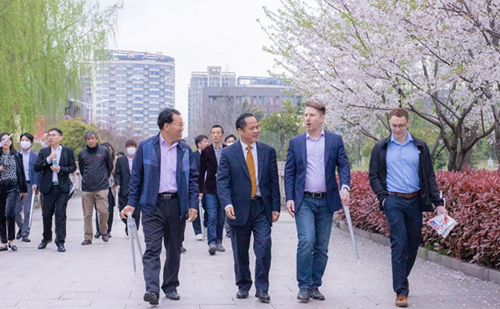 Jiaxing hosts cherry blossom activity for intl exchanges