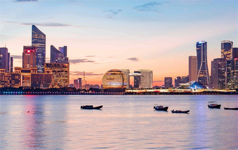 Qiantang River themed photo exhibition opens in Hangzhou