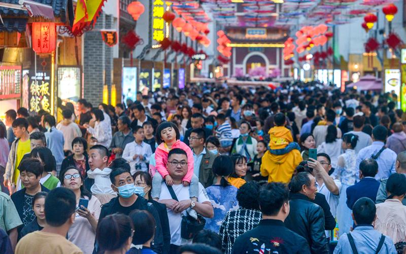 Highlights of Zhejiang's population data