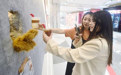Bear Paw Café opens first shop in Hangzhou