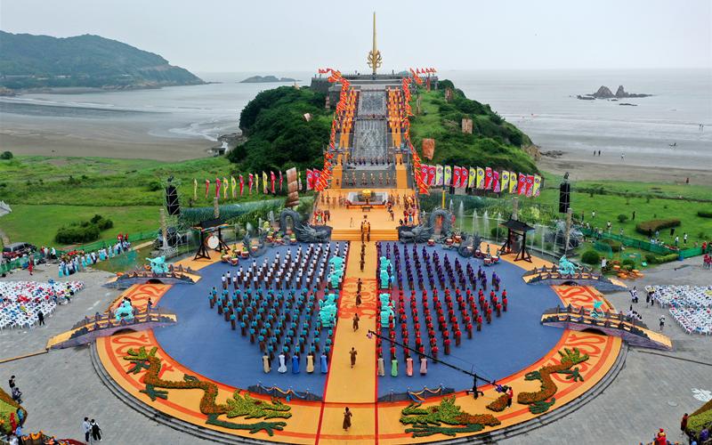 Sea-worshiping ritual held in Zhejiang island county