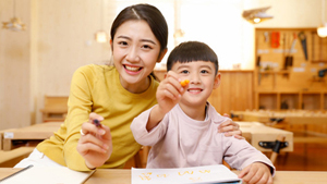 E China's Zhejiang to pilot points-based system to involve parents in children's education