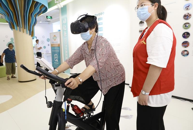 Telemedicine system helps seniors access health services