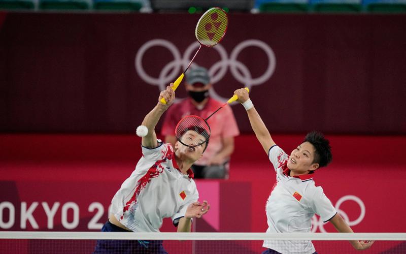 Wang Yilyu/Huang Dongping win all-Chinese badminton mixed doubles final
