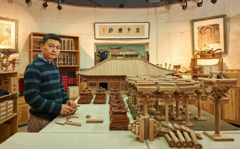 Toys bring classical architecture to life