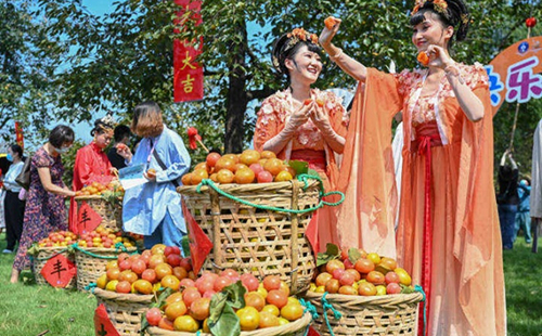 Hangzhou receives nearly 18m tourists for National Day holiday