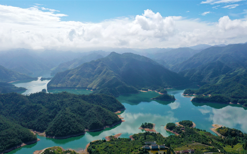 Blockbuster movie drives tourists to Hanshan Lake