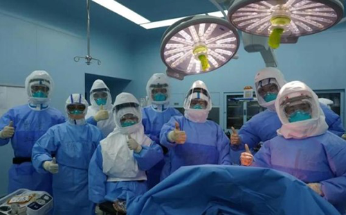 Zhejiang performs world's first lung transplant surgery for elderly