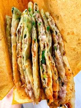 Mouthwatering, special snacks on offer from Pujiang county
