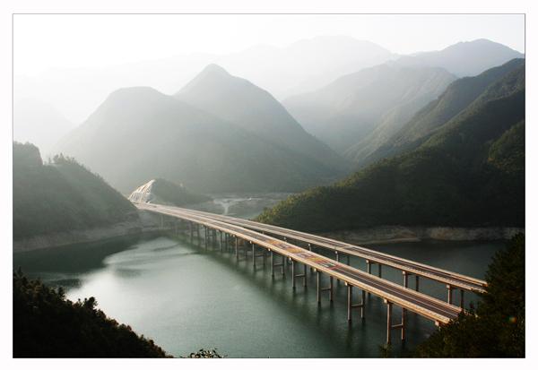 丽龙高速.jpg