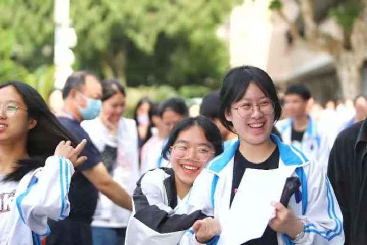 Students take gaokao in Shaoxing